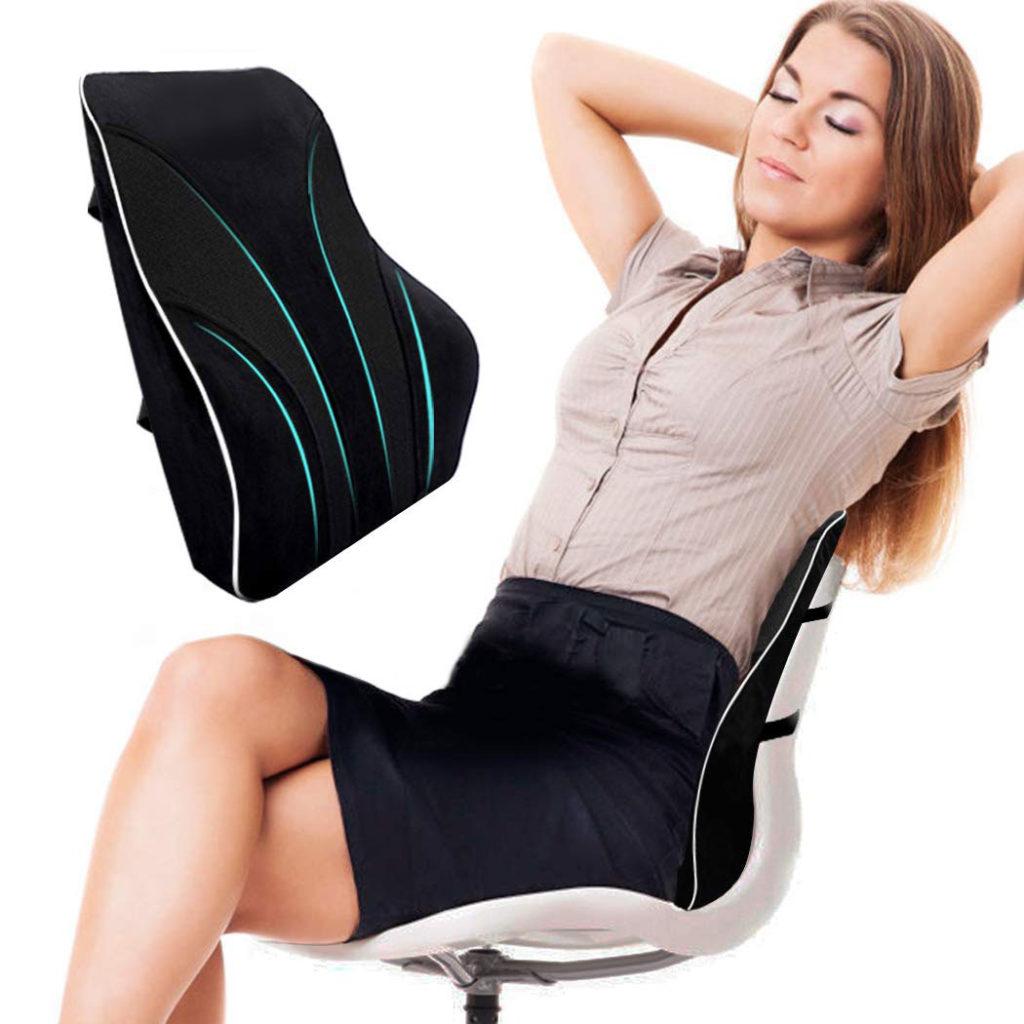 como evitar el dolor lumbar usando un corrector de espalda para silla
