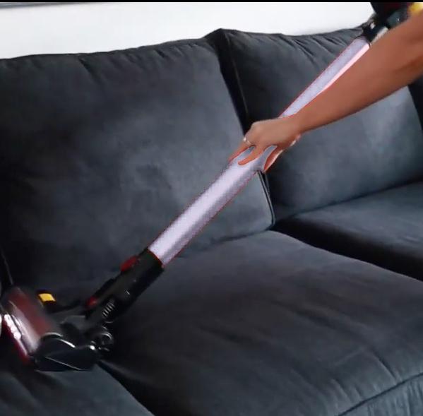 como sacar los pelos de gato en el sofa con aspiradora