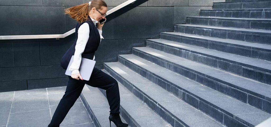 Subir las escaleras quema 200 calorias?
